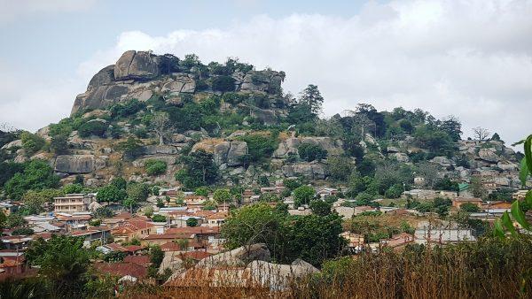 Les maisons sous les collines